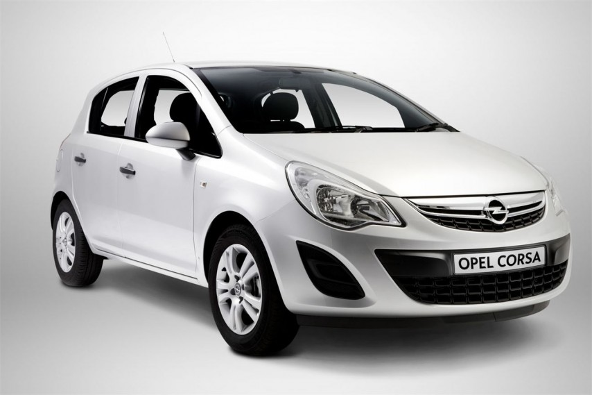 opel-corsa-4-door-automatic